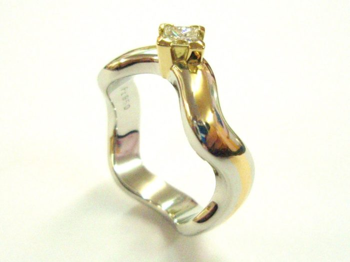 Diamond Platinum with Inlaid Pure Gold Ring